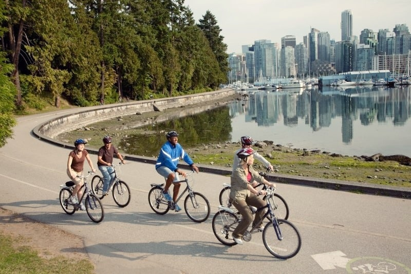 Can I Tour the Stanley Park After Visiting This Bike Rental?